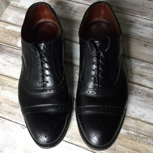 Allen Edmonds Black wingtip oxfords  MENS 8
